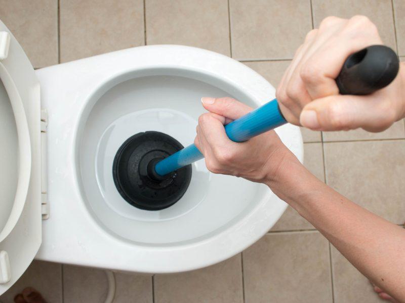 Få 3 tilbud på at få afhjulpet problemer med en stoppet kloak